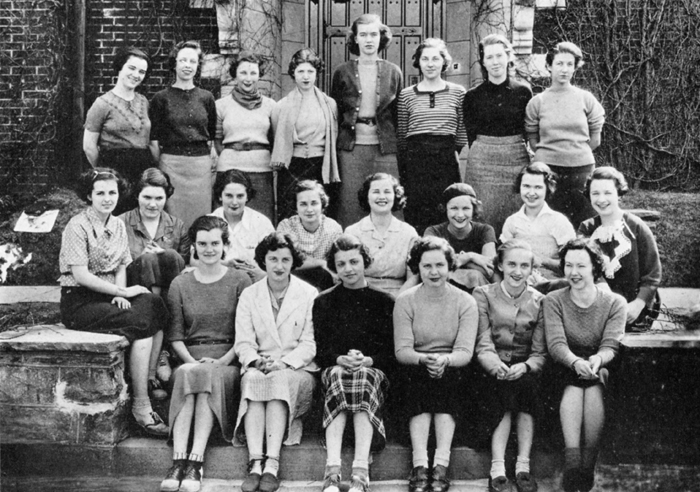 Publications Group, 1934 yearbook. Mary Morris is in the middle row, fifth from the right. Courtesy of the Sarah Lawrence College Archives.