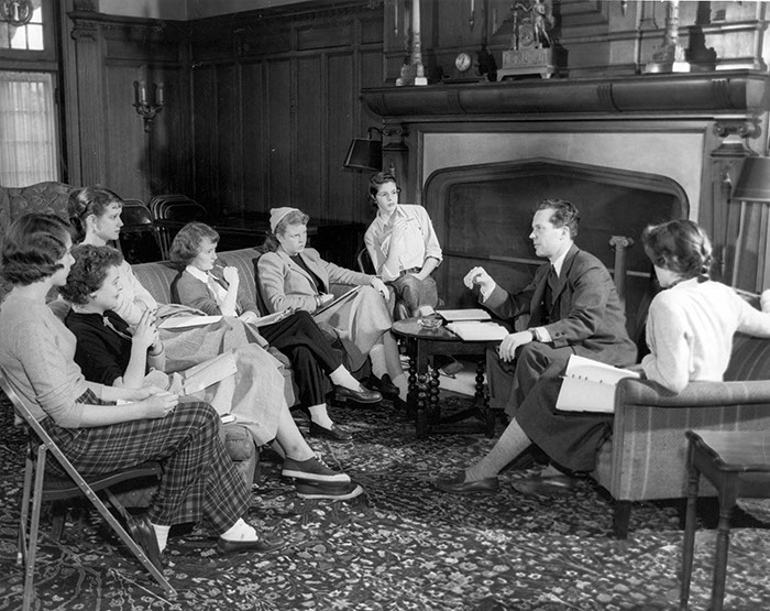 President Harold Taylor with Sarah Lawrence students, 1952 (Photograph Collection)