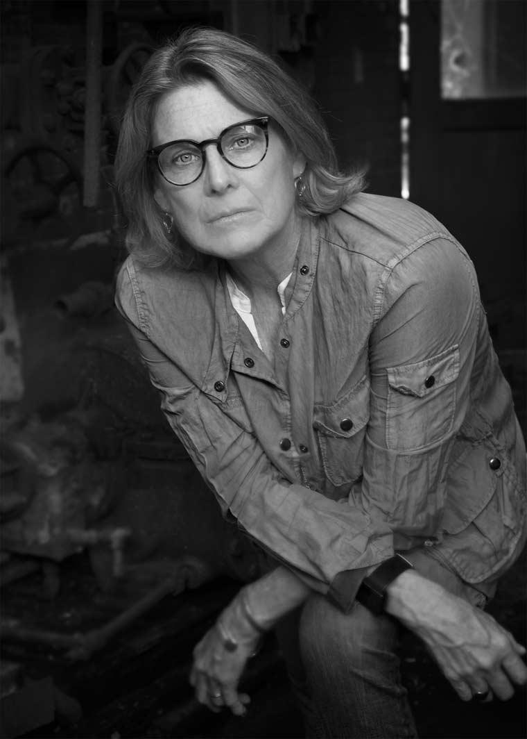 Portrait of the author, Pamela Hart MFA '04