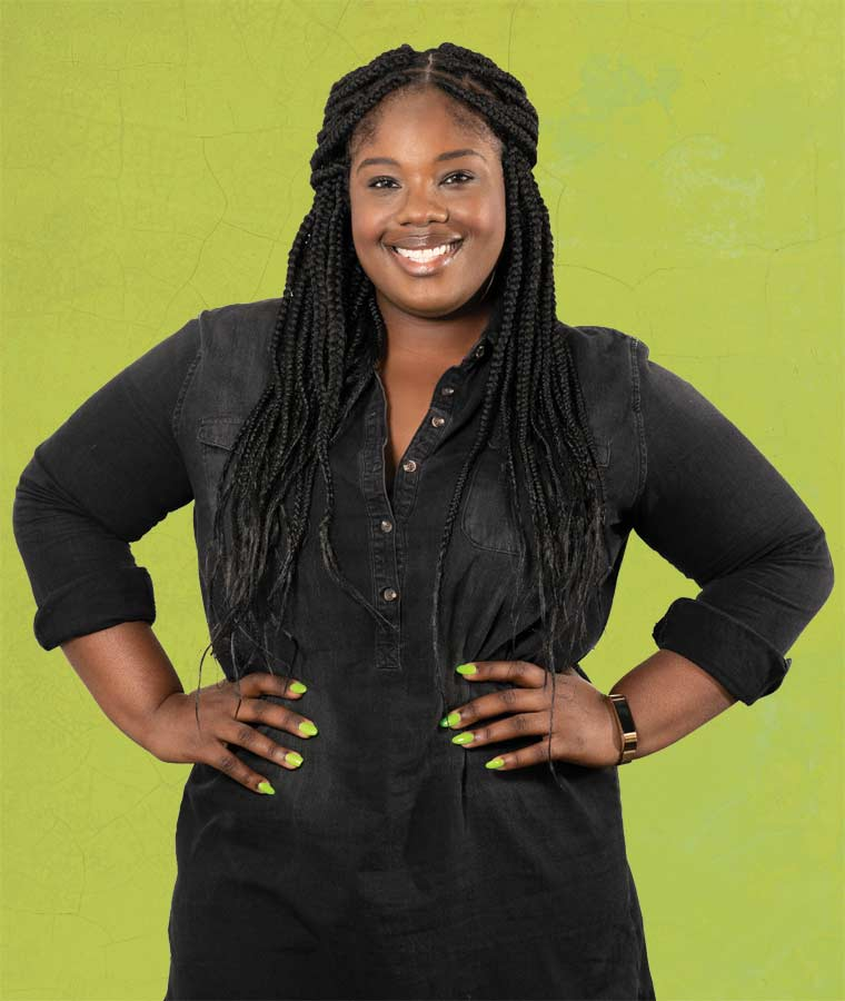 Mariah Smith '13 is a writer, comedian, and producer who created the popular blog Keeping Up with the Kontinuity Errors, published on The Cut.