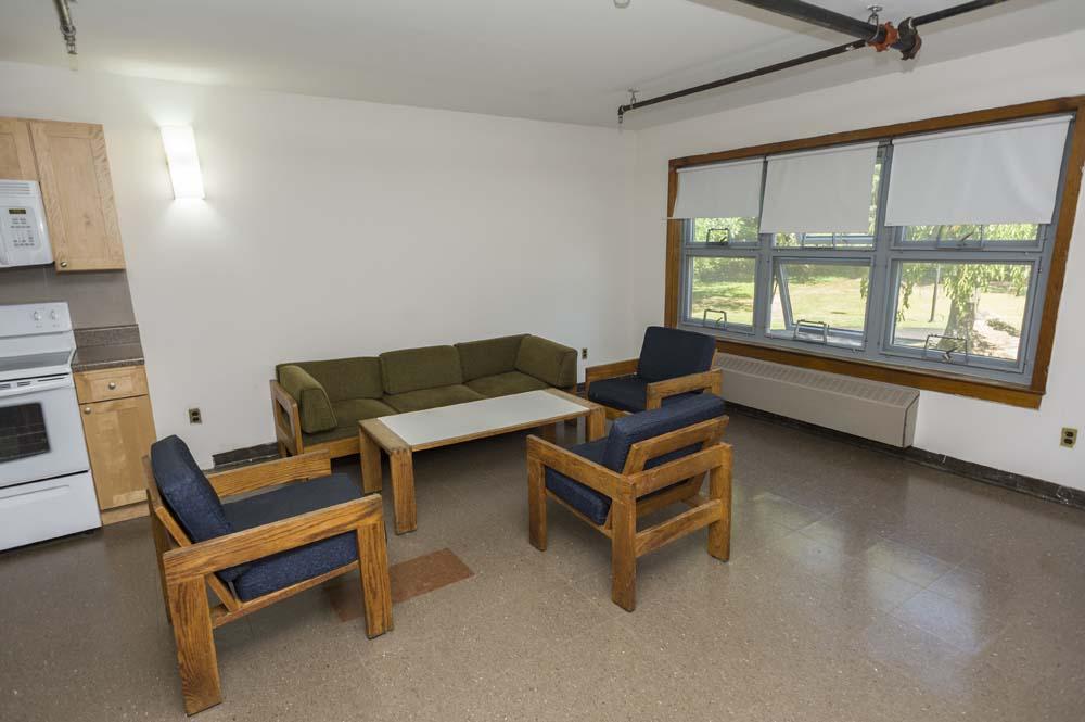 Slonim Woods kitchen and common room