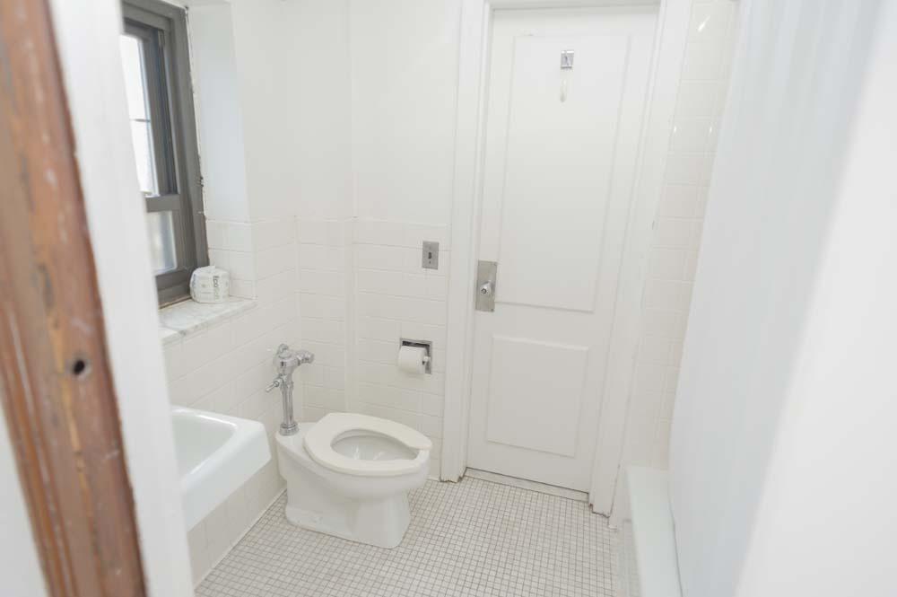 Titsworth dorm bathroom