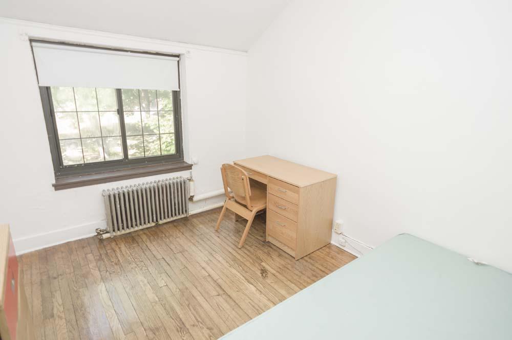 Titsworth dorm room desk