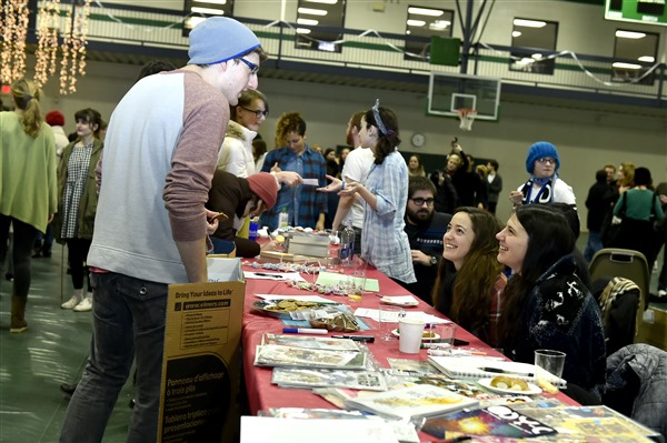 students at the annual Student Organization Fair interacting
