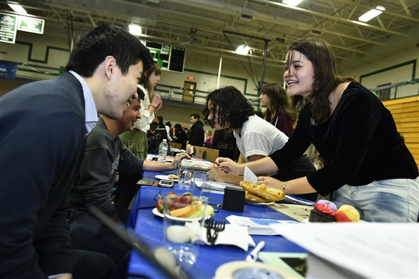 students enjoying conversation during a snack at the annual Student Organization Fair