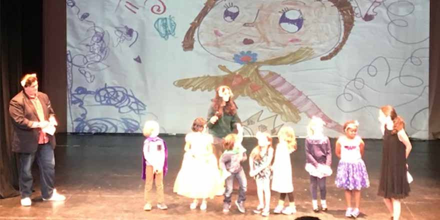 The 5-6 year old Lunchbox presentation of 'Playing Tag in the Dragon's Garden'